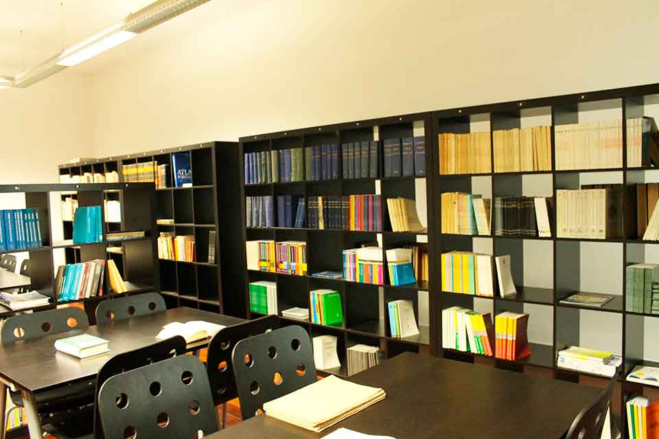 Biblioteca do Instituto Católico